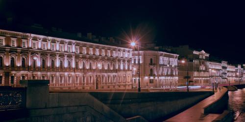 Причины, по которым стоит поехать в Санкт-Петербург, а не в Москву