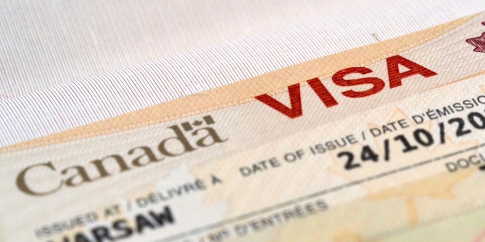 Иммиграционная виза Канады в паспорте
