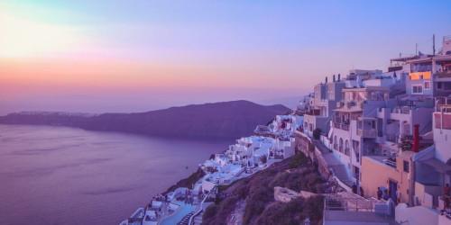 10 причин, по которым стоит поехать в Санторини, а не в Миконос