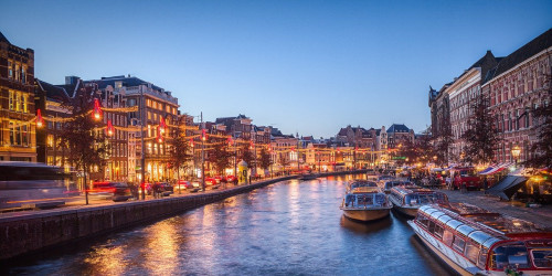 10 причин, по которым стоит поехать в Амстердам, а не в Роттердам